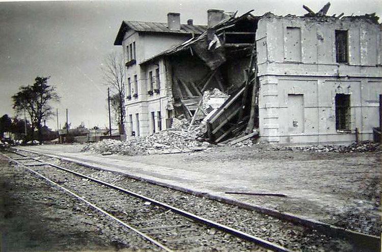 jdrzejw-stacja-pkp-po-nalocie-w-1939