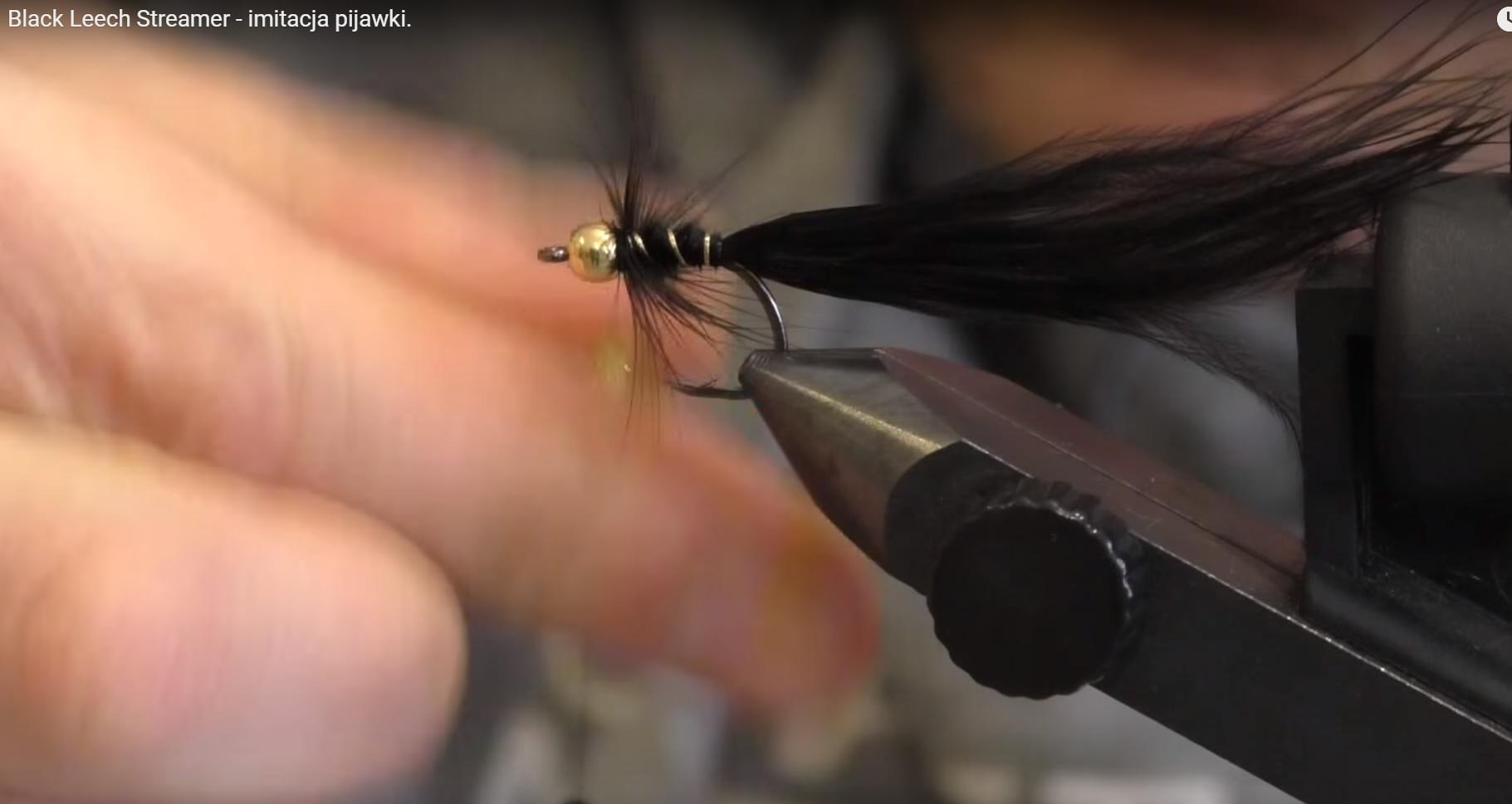 Black Leech Streamer – imitacja pijawki.