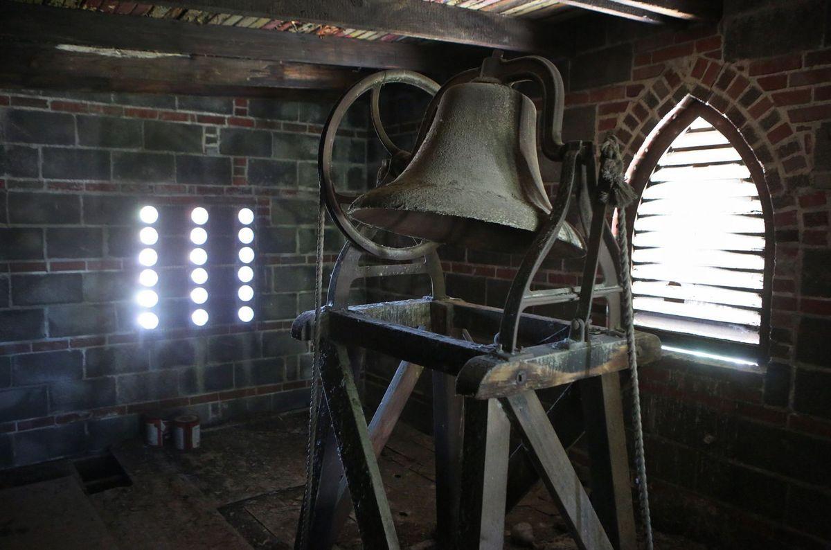 Komu bije dzwon (II)