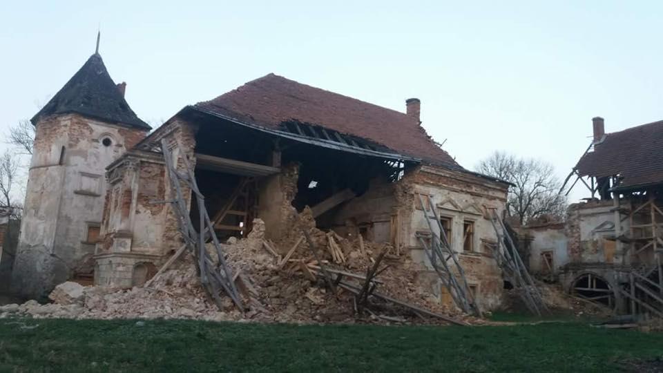 Zawaliła się ściana polskiego zamku w Pomorzanach (obwód Lwowski).
